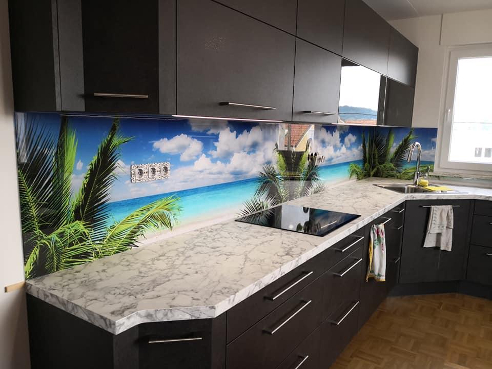 Steklene kuhinjske stenske obloge